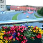 Az utcák, terek díszítő elemei – köztéri virágtartók